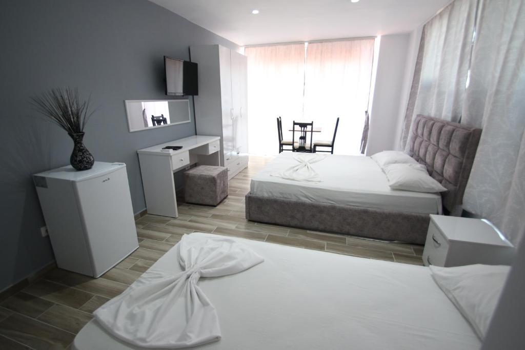 Klebrido-Comfort Triple Room (9)