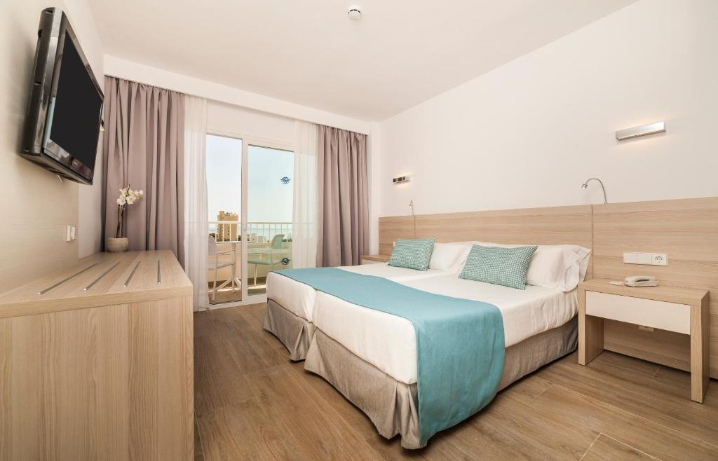 Twin Room-globales-3007 (10)