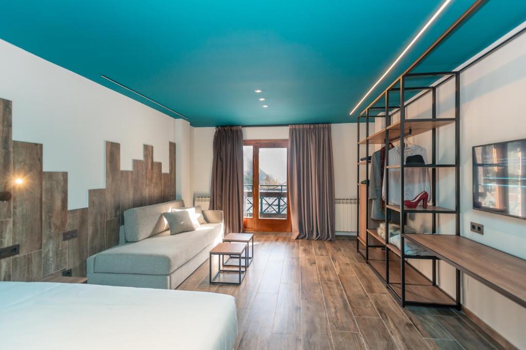 Ushuaia Mountain-premium-room (2)