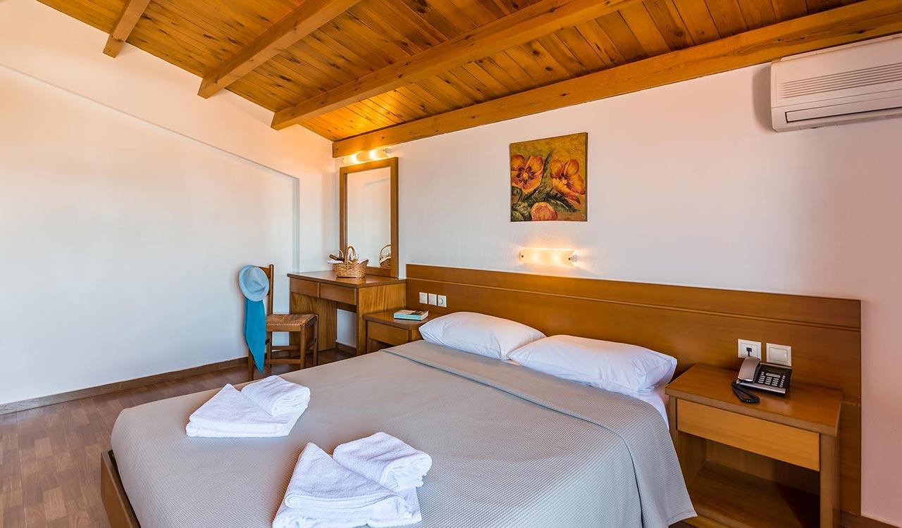 asterias-village-resort-maisonette_005