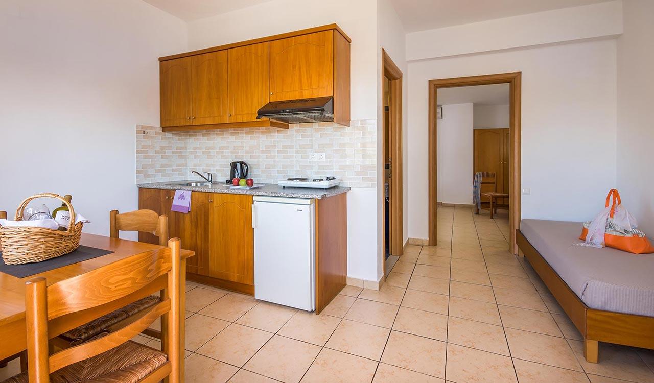 asterias-village-resort-on-bedroom-apt_006