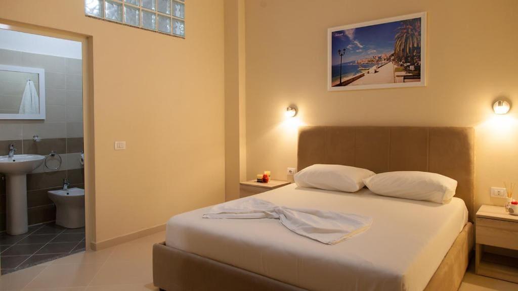 vila balani-double Room with Balcony (2)