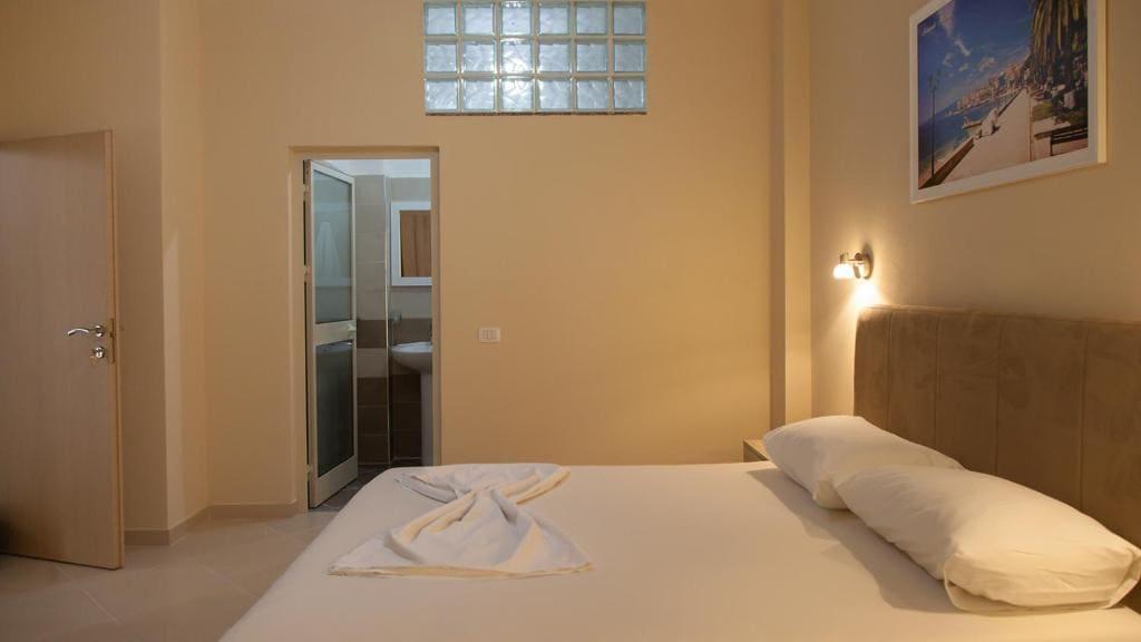vila balani-double Room with Balcony (3)