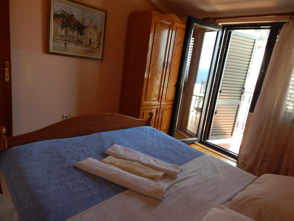 Apartment with Sea View 4