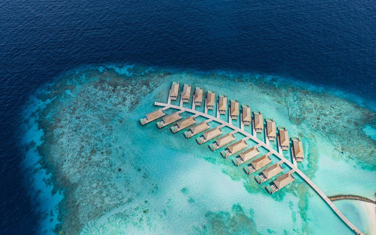Ocean-Lagoon Pool Villas (11)