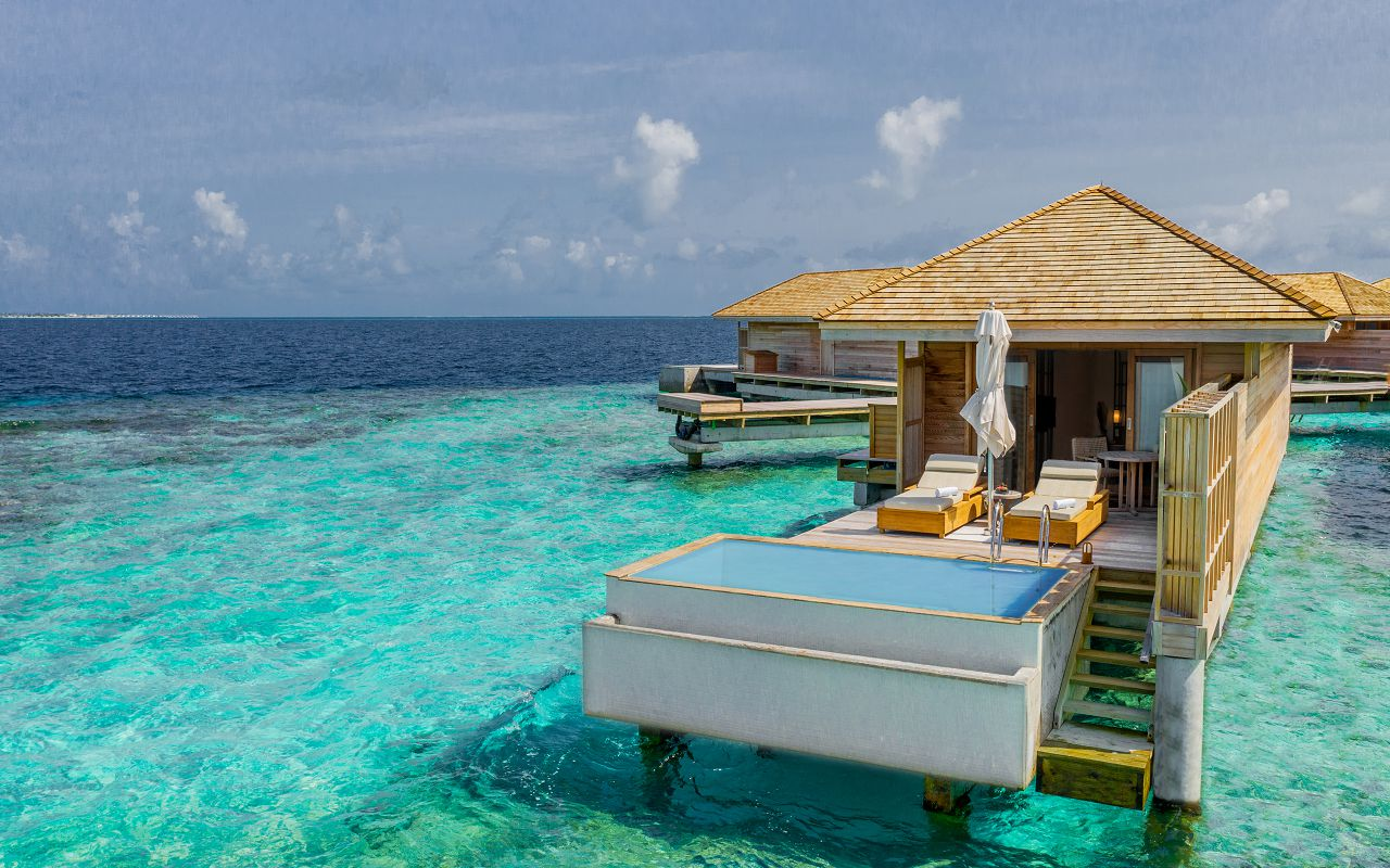 Ocean-Lagoon Pool Villas (32)