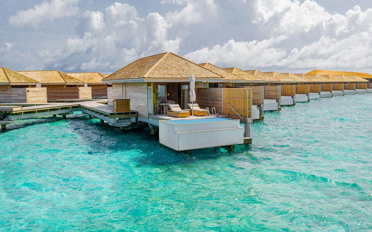 Ocean-Lagoon Pool Villas (36)