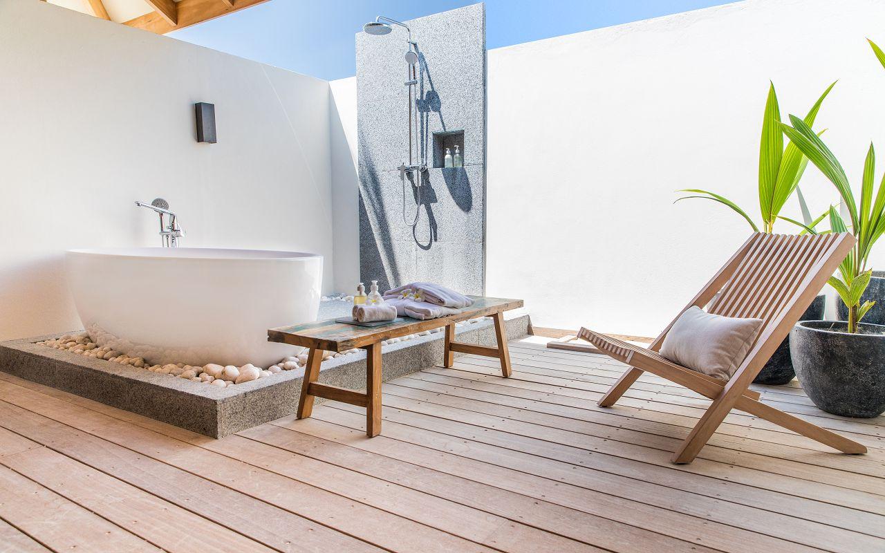 Ocean-Lagoon Pool Villas (38)