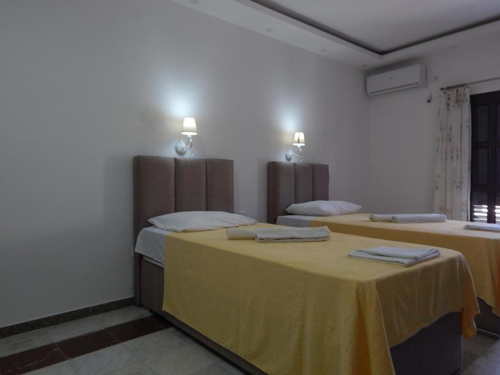 Superior Double or Twin Room with Terrace4