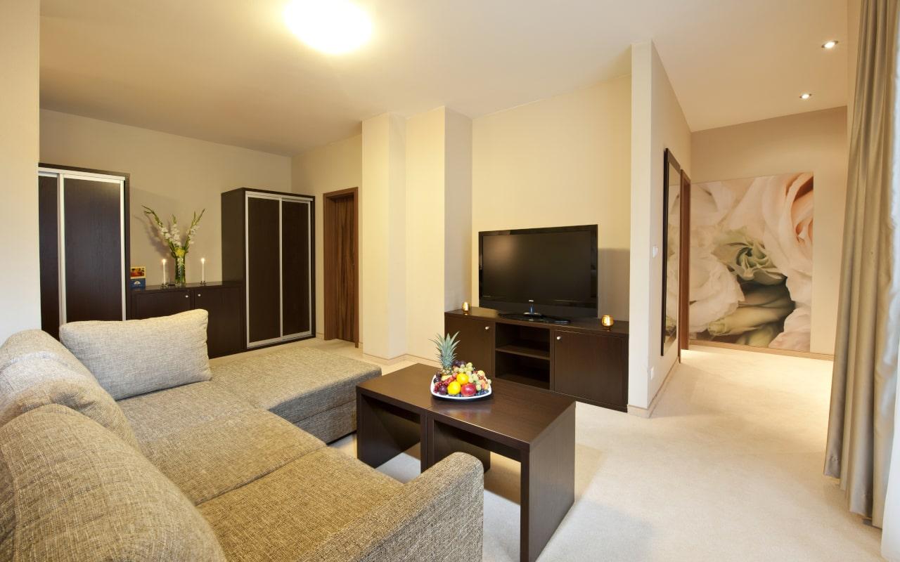 Apartment_02-min