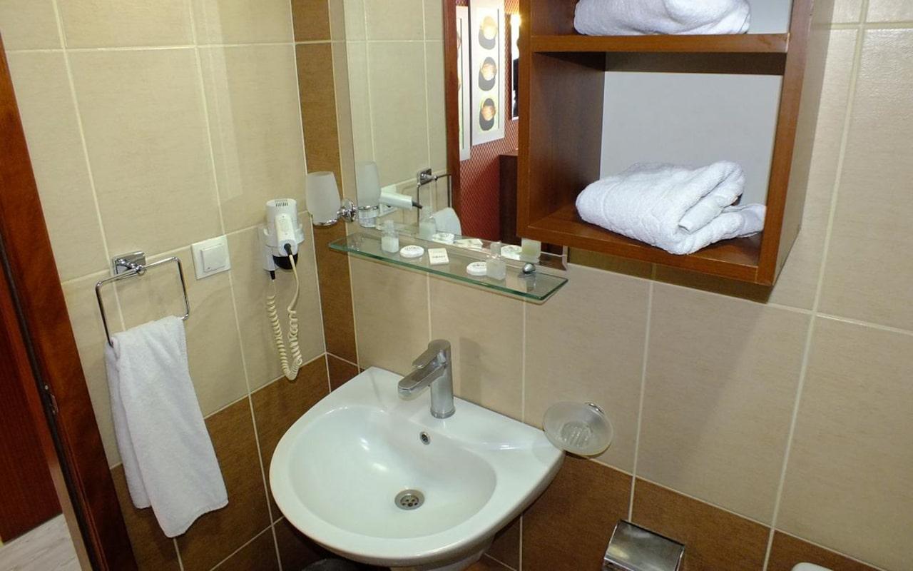 Lifos Hotel_04-min