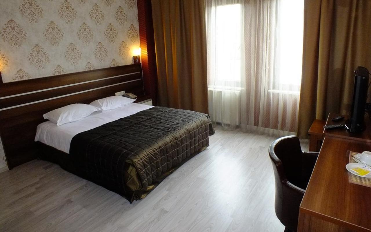 Lifos Hotel_05-min