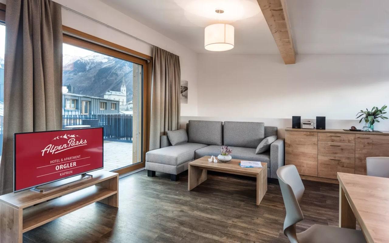 Penthouse Luxury Maisonette_02-min