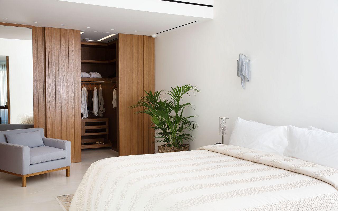 HRH Ivory Bedroom (2)
