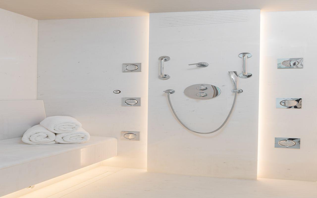 HRH Pearl Bathroom & Hammam