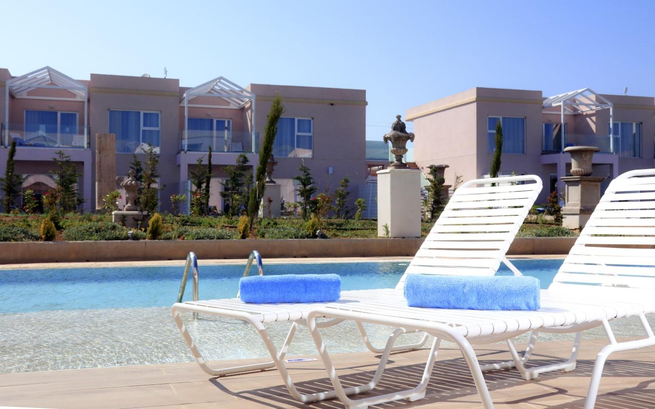 Sandy Villas Double Superior swim-up room (6)-min