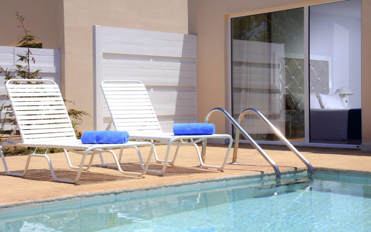 Sandy Villas One Bedroom Suite Shared Pool (6)-min