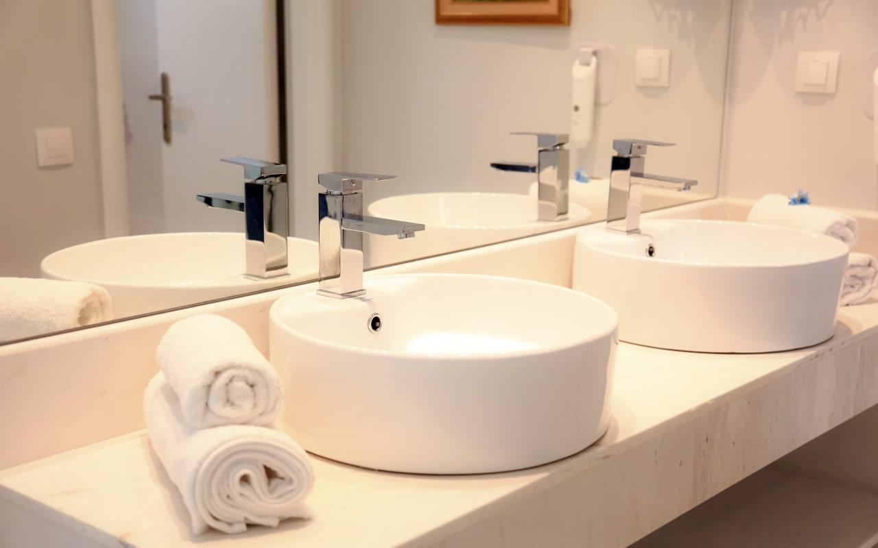 Sandy Villas One Bedroom Suite Shared Pool (8)-min