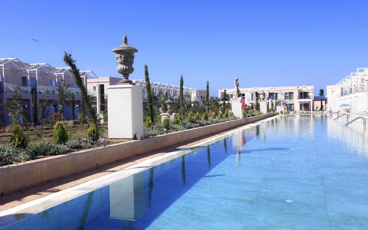 Sandy Villas One Bedroom Suite swim-up (13)-min