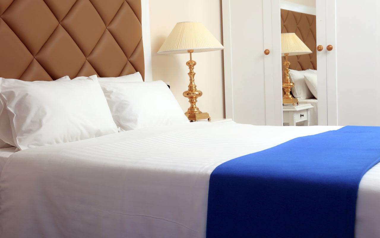 Sandy Villas One Bedroom Suite swim-up (4)-min
