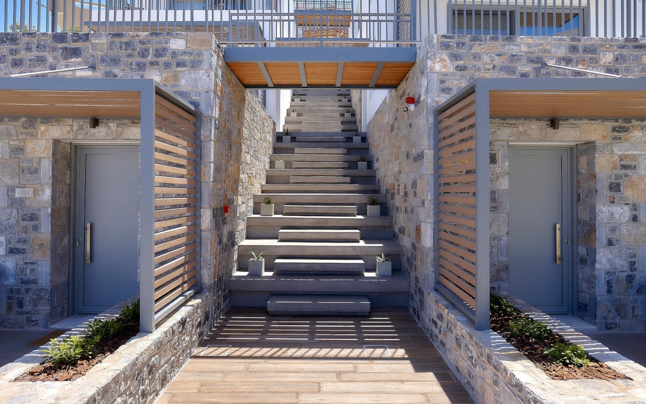 seascape_exterior_deluxe-apartments_02-min