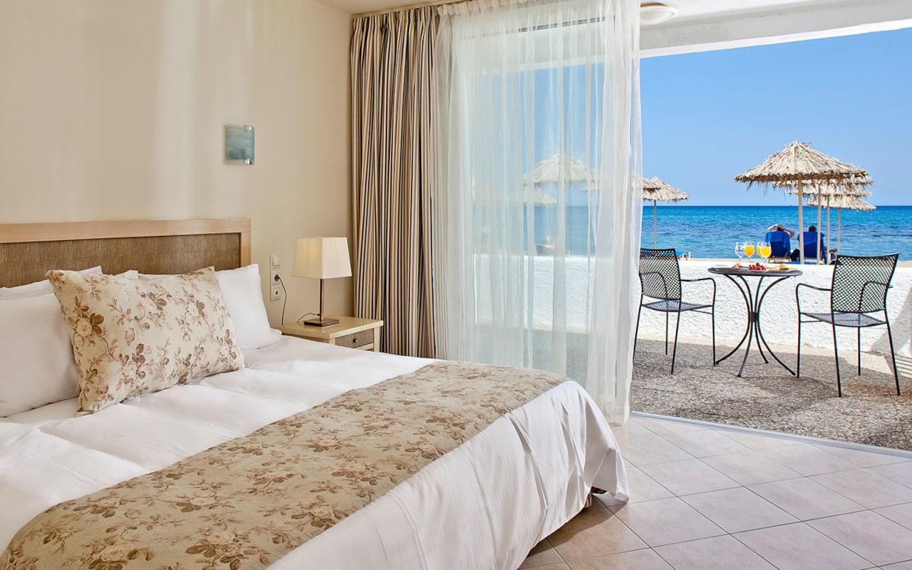 0006_Creta-Beach-Family-Water-Front-2-min