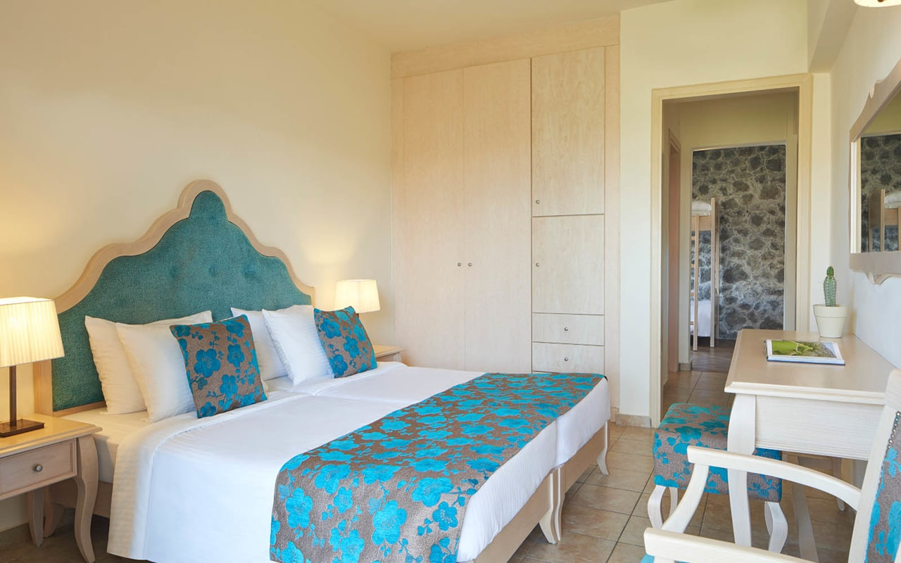 Civitel-Creta-Beach_Family-Rooms-4-min