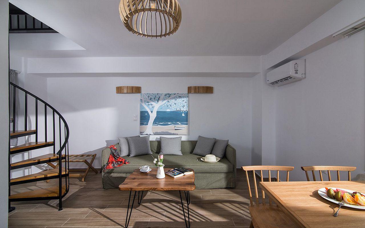 irida_gardens_maisonette_interior_livingroom_01