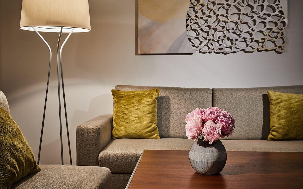 Hyatt-Regency-Belgrade-P387-Executive-Suite-Living-Room.16x9