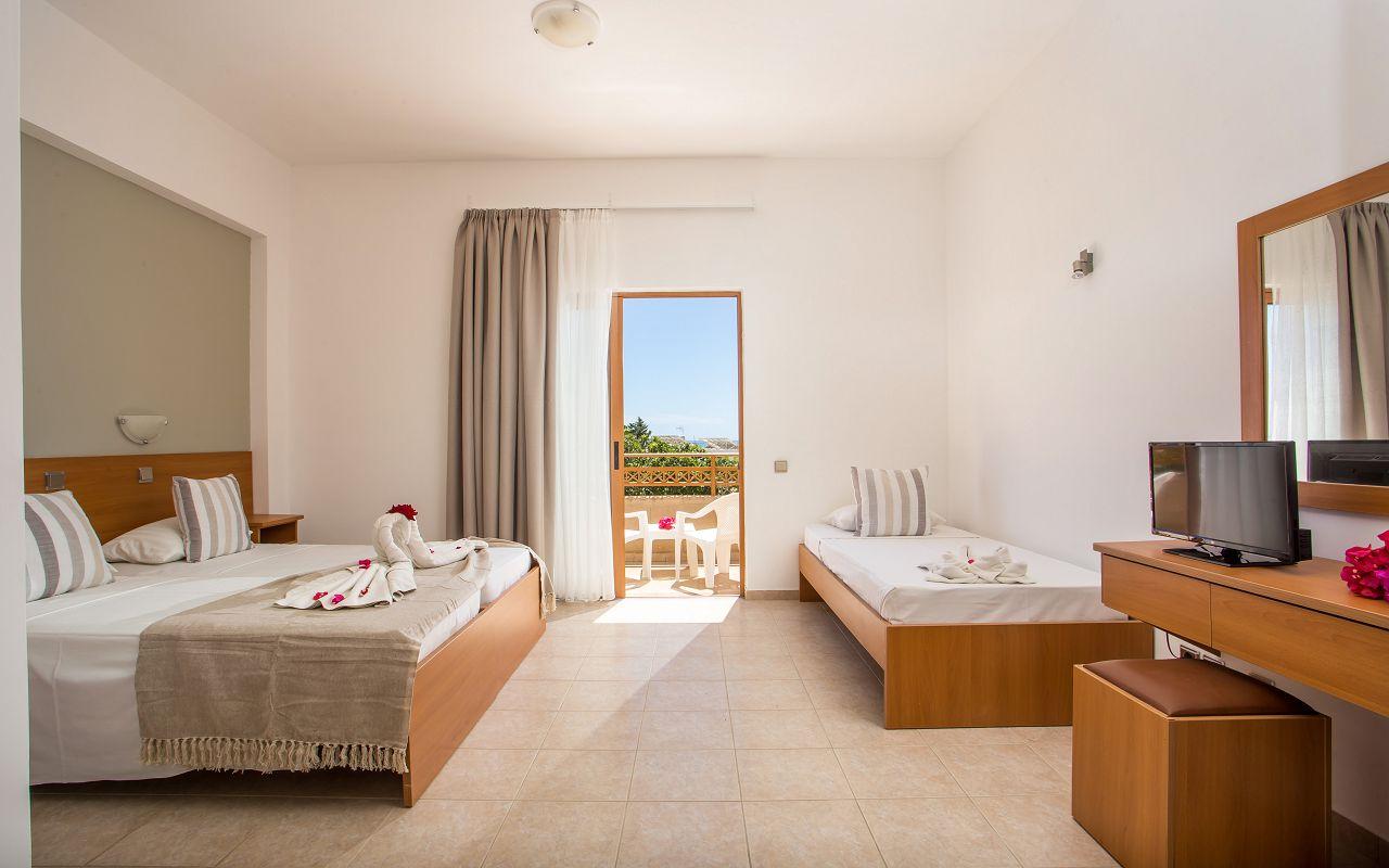 Ledras Hotel (2)
