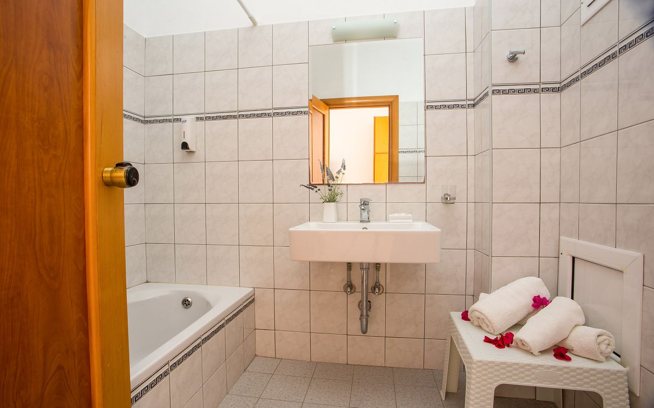 Ledras Hotel (5)