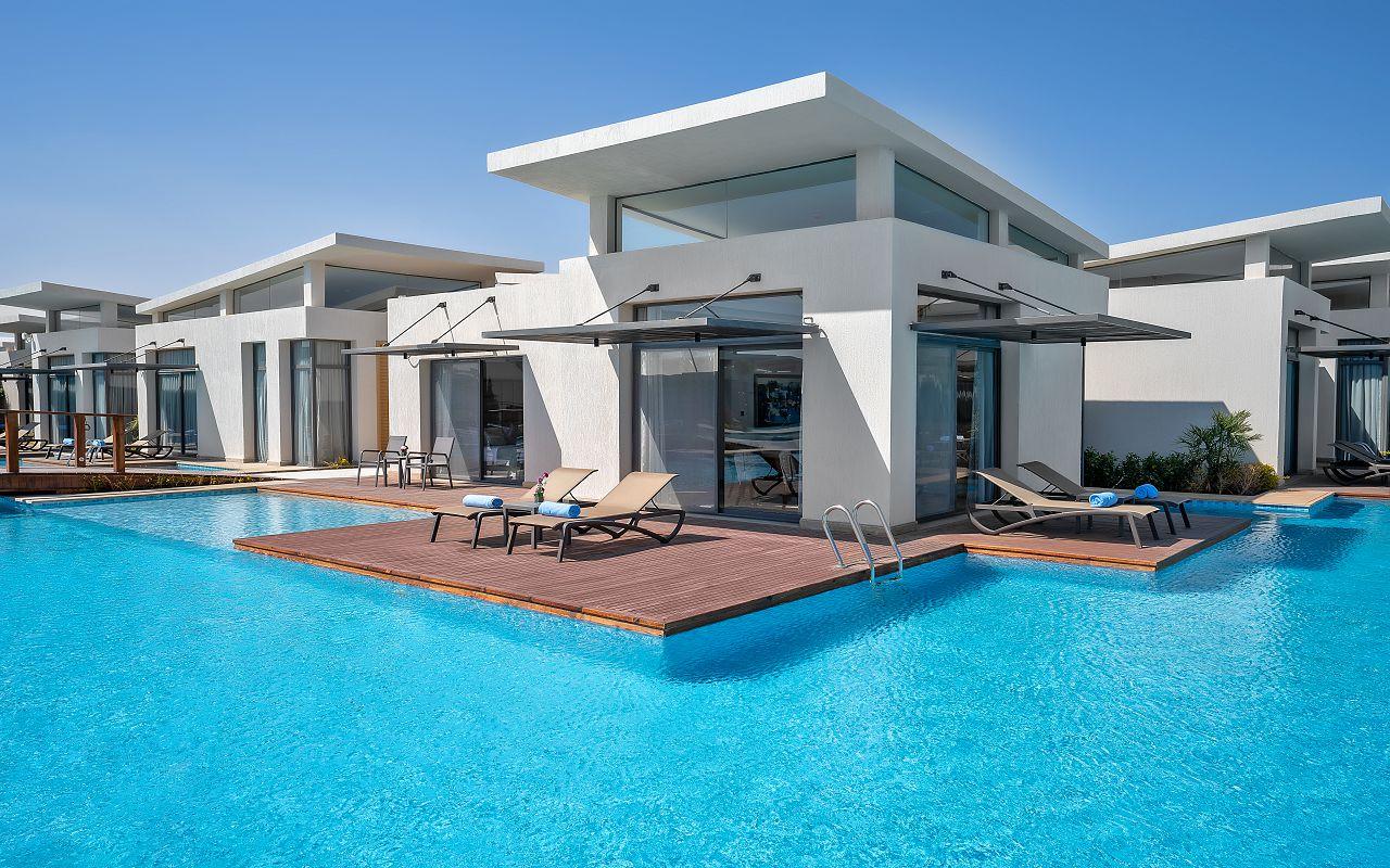 Pool Villa Out