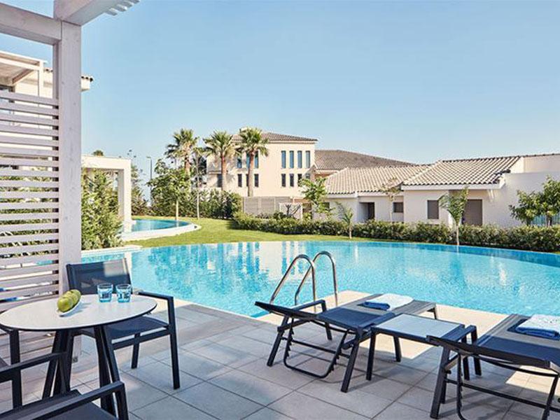 atlantica-mare-village-family-room-partition-swim-up-outdoor