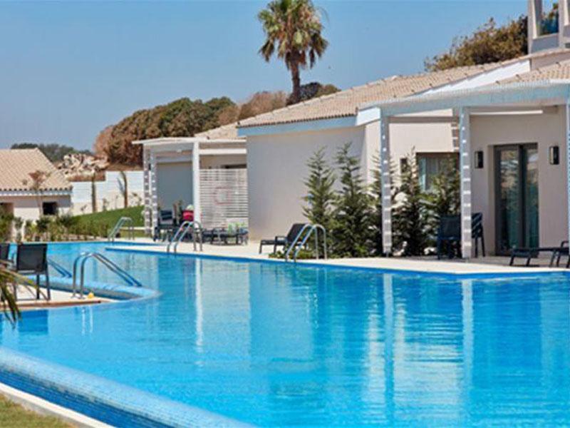 swim-up-rooms-in-cyprus-atlantica-mare-village