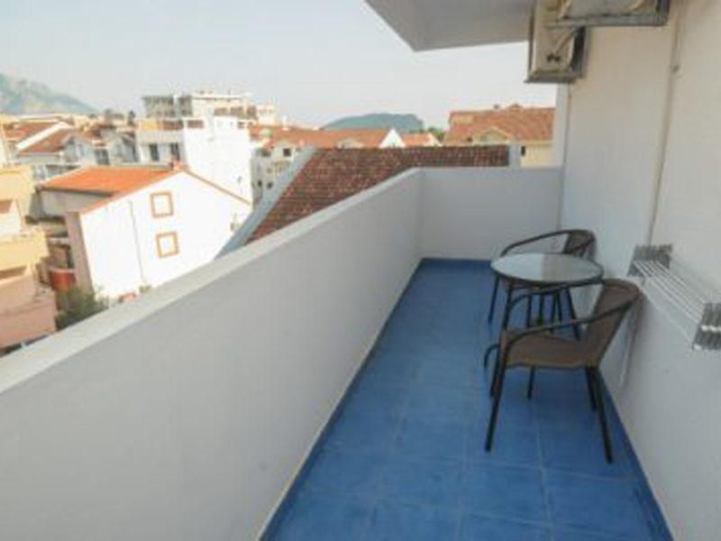 Azzuro_306_balkon-400x266