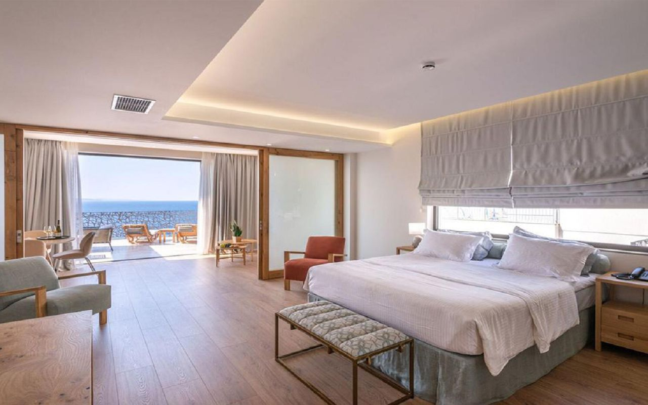 Glow Boutique Glow Suite with Terrace and Sea View