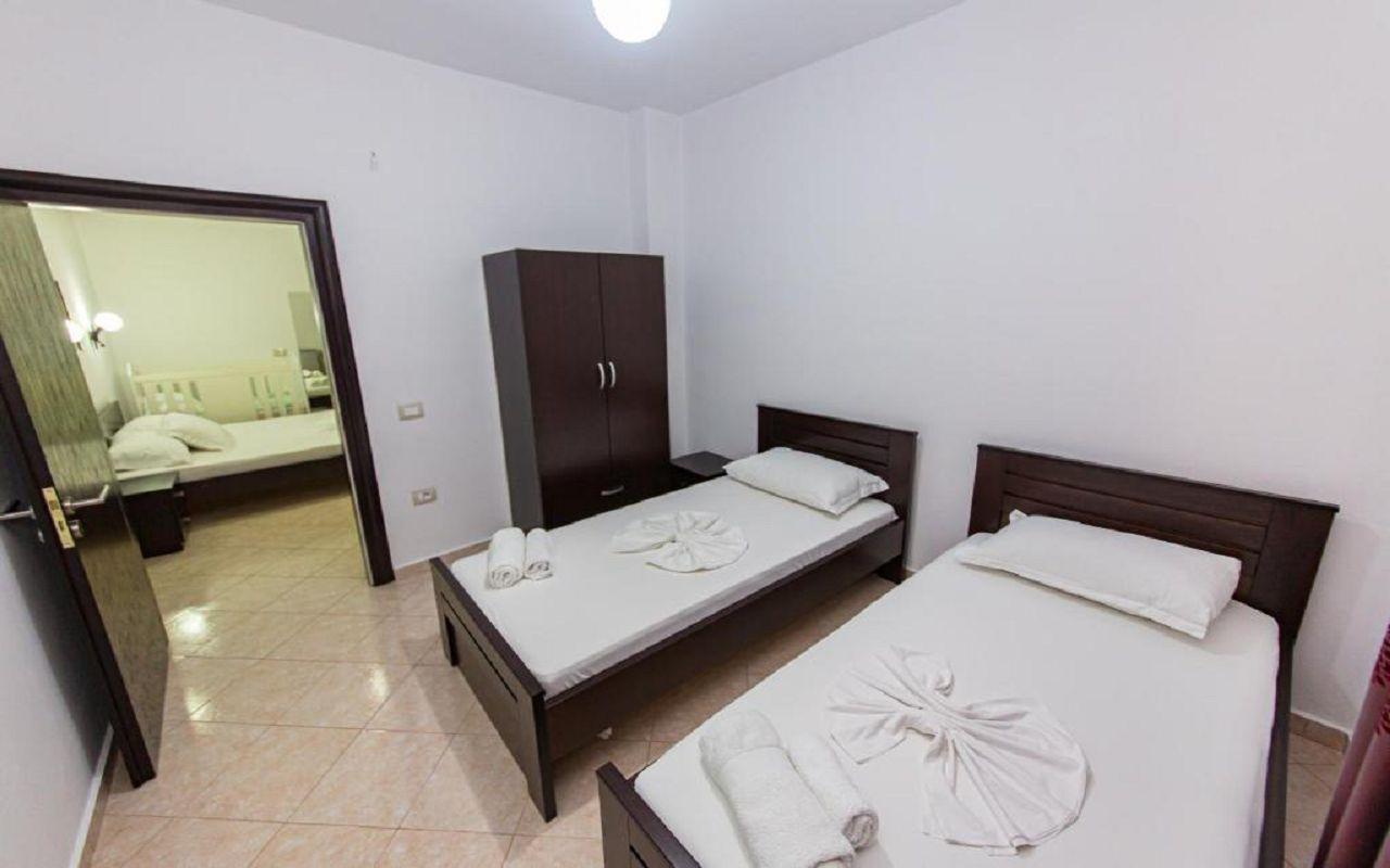 Mariksel - Family room-3