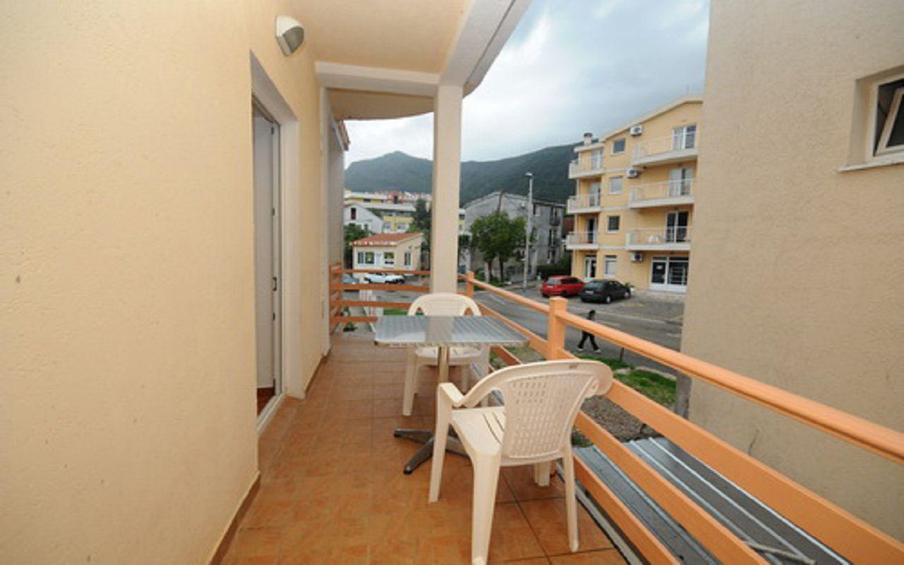 Mir_No1_terrace