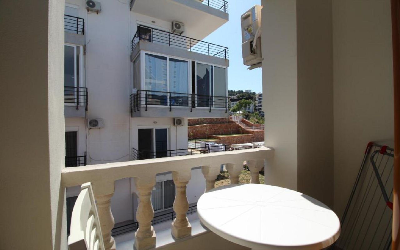 Romario Apartments - STD DBL no view (402) 2