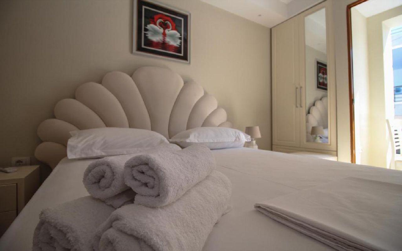 Romario Apartments - STD DBL no view (402) 4