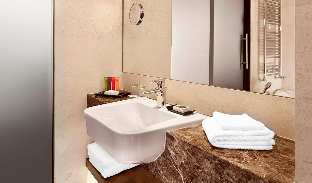 beglc-bathroom-8312-hor-wide