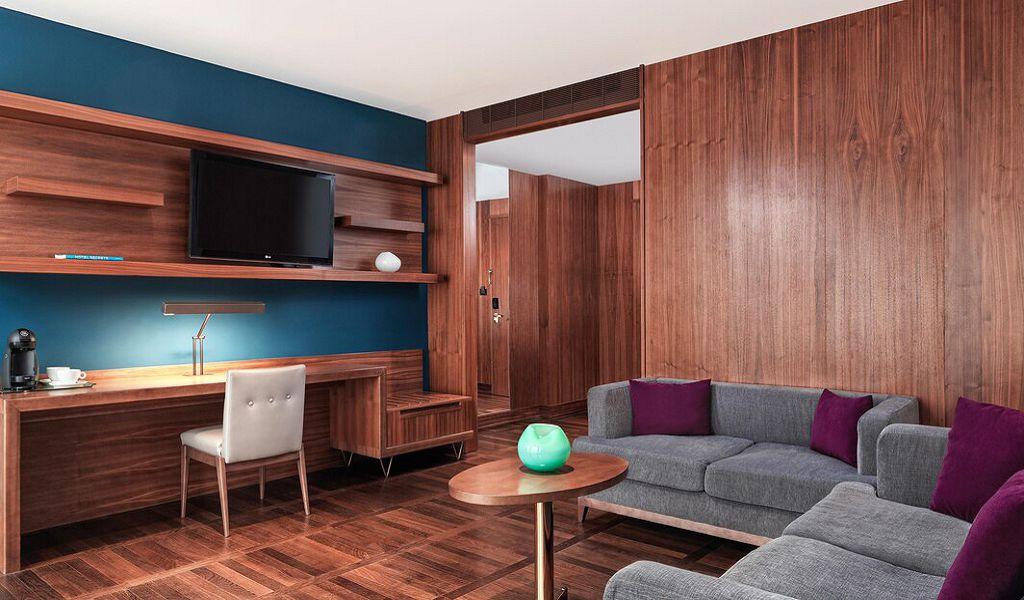 beglc-suite-livingroom-6831-hor-wide