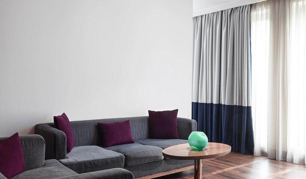 beglc-suite-livingroom-6832-hor-wide
