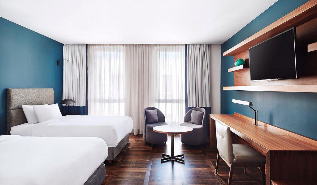 beglc-twinsuperior-guestroom-6684-hor-wide