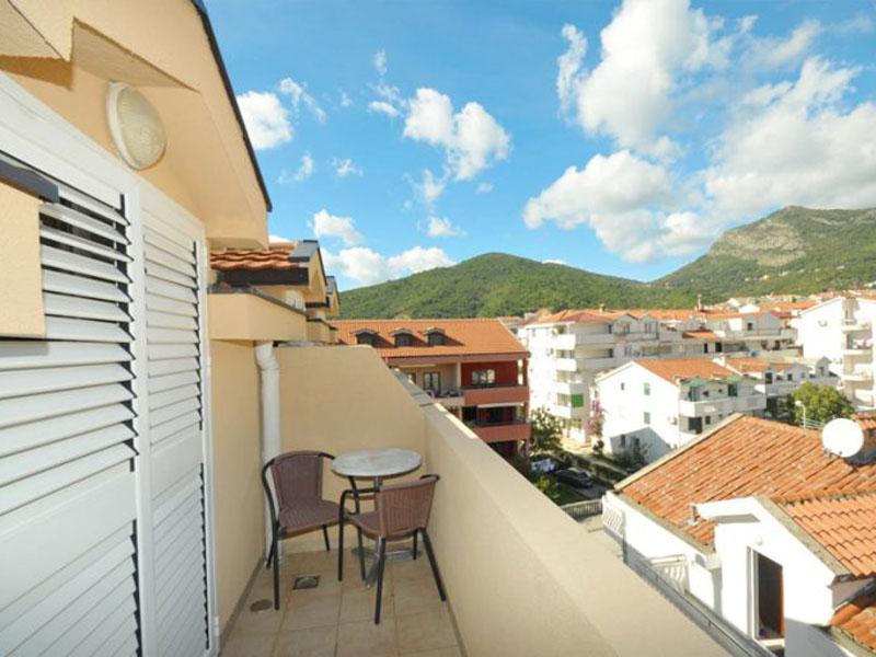 velji-vinogradi-room2-4-768x512