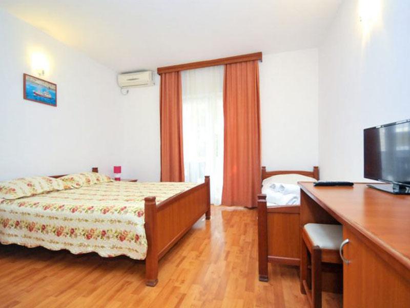 velji-vinogradi-room21-1-768x512