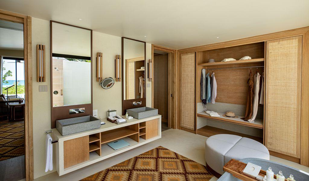 23.Beach Villa Bathroom 2