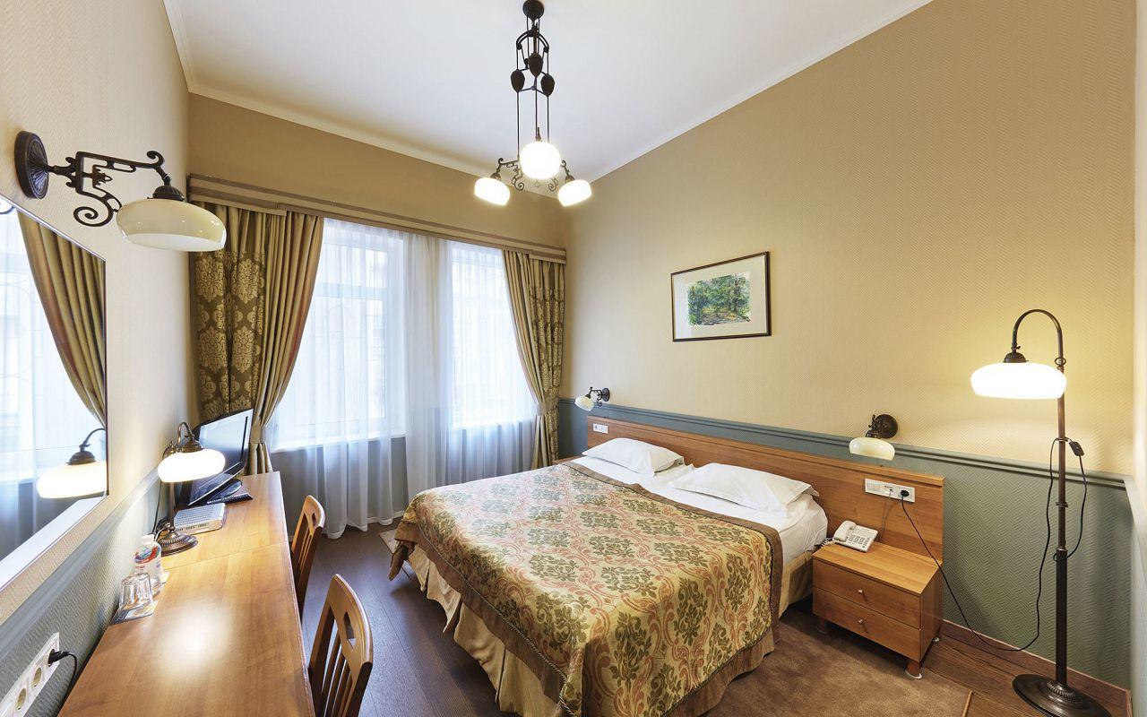 Frapolli-Standard-room-3