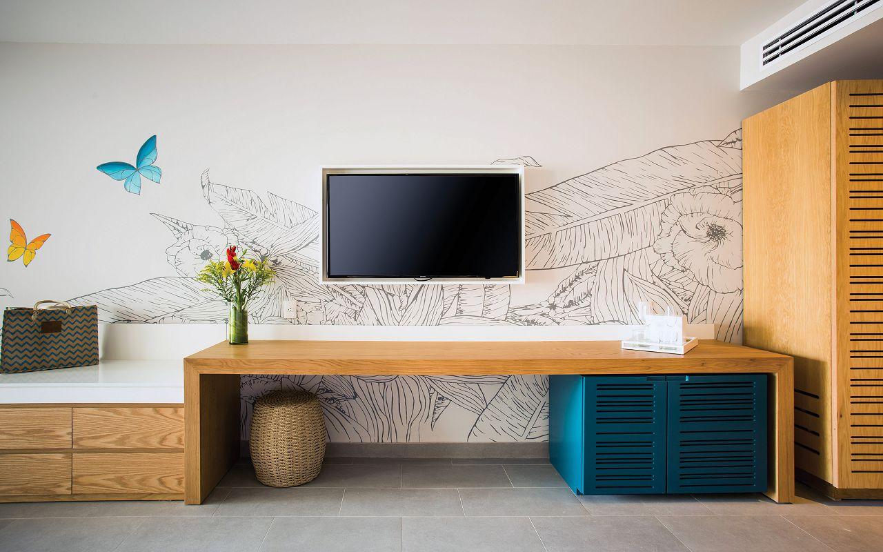 DRENA-PC-JR-JR-Desk-AP