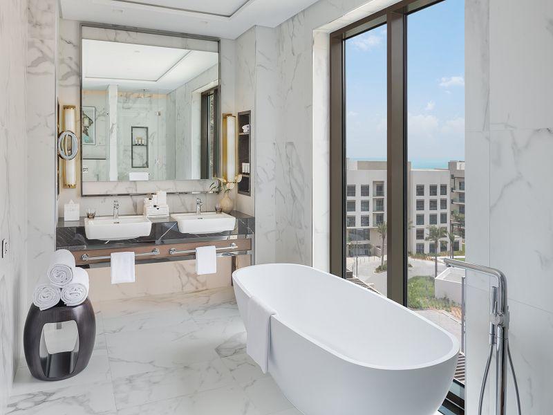 EXECUTIVESUITE-Bath